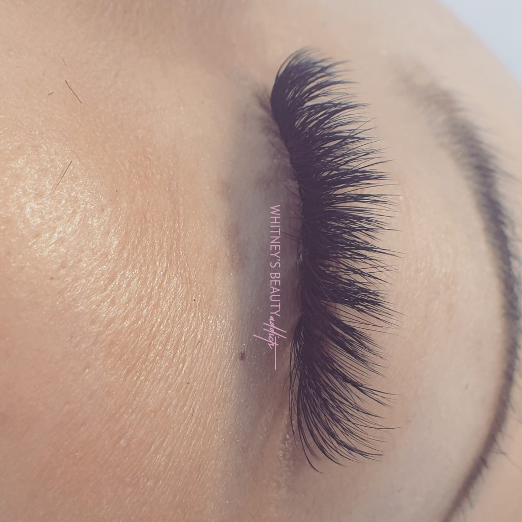 Fluffy faux lashes